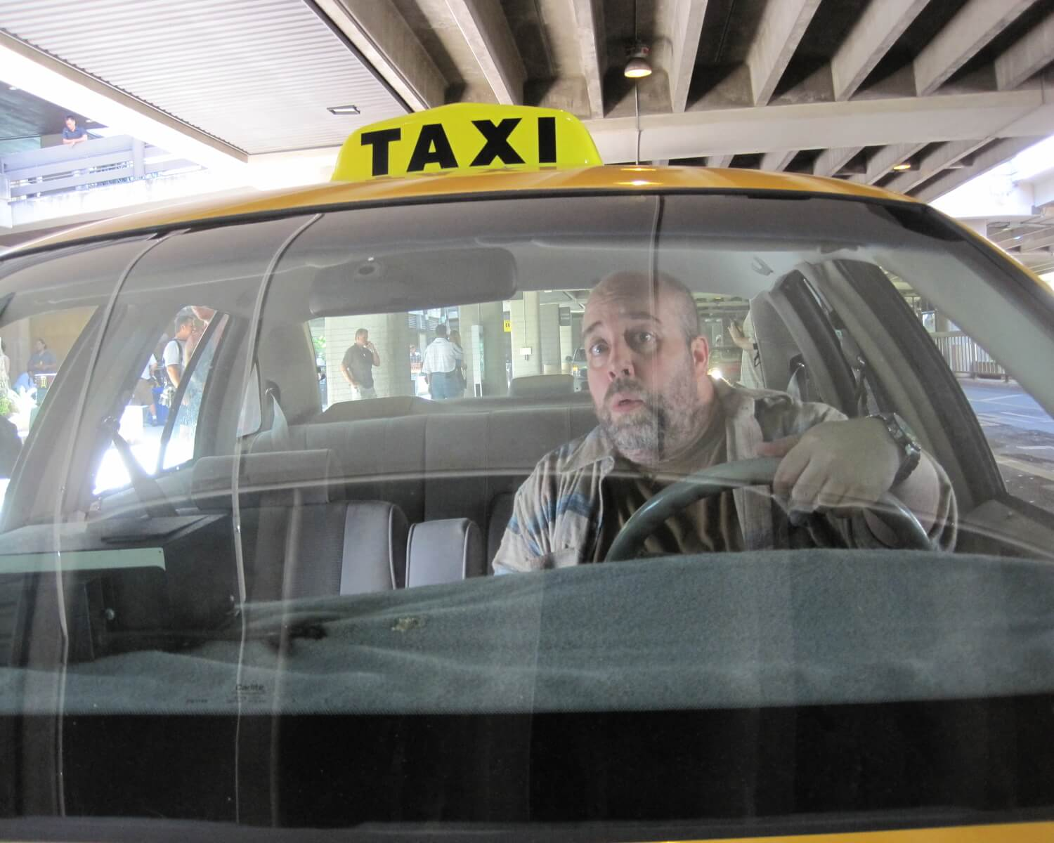 2015-dhlawrencexvii-23-lost-taxi